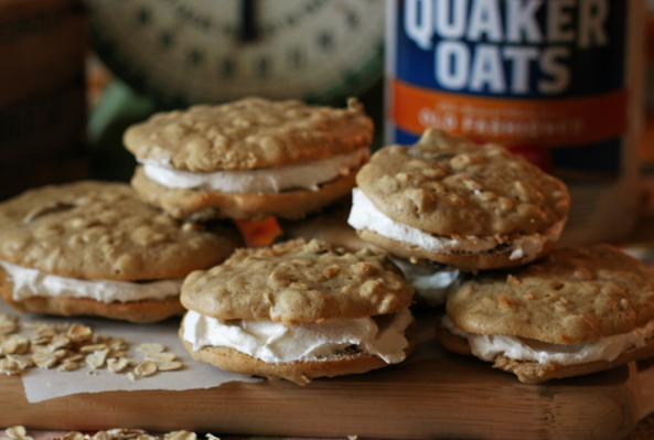 A Yummy Whoopie Pie Recipe ~ Oatmeal and Raisin
