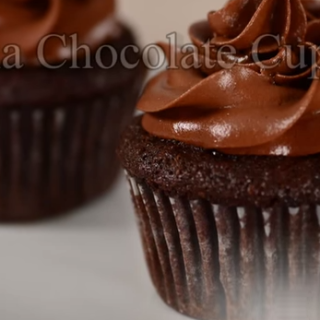 How Yummy Are These Chocolate Banana Cupcakes?