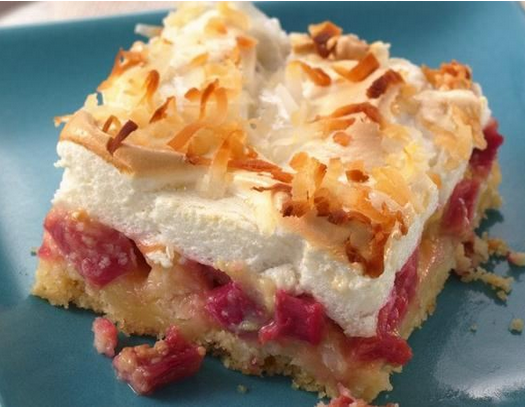 What A Heavenly Rhubarb Meringue Dessert