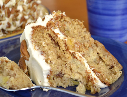 How To Make A Delicious Hummingbird Cake