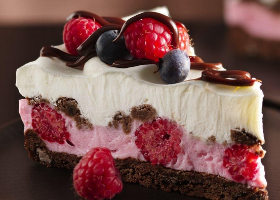 Here Is One Of Those Easy To Make Desserts A Chocolate and Berries Yogurt Dessert