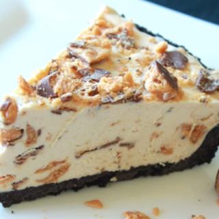 A Really Delightful Frozen Butterfinger Pie - No Bake Peanut Butter Pie Recipe