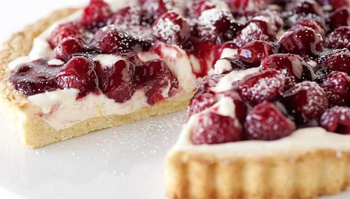 Summery Looking Vanilla Bean & Raspberry Tart