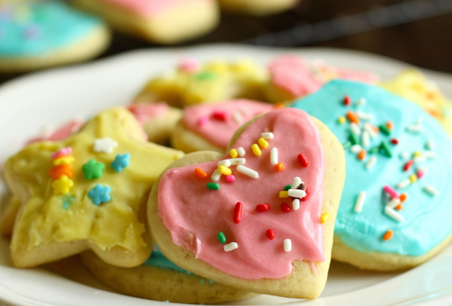 A Yummy Sugar Cookie Recipe For These Soft Frosted Sugar Cookies