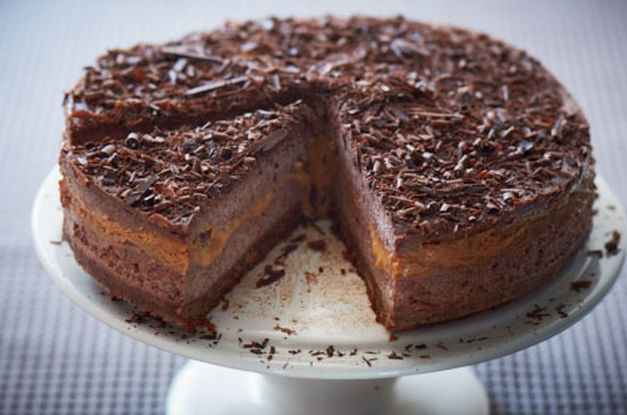 A Wonderful Recipe For This Caramel Chocolate Cheesecake