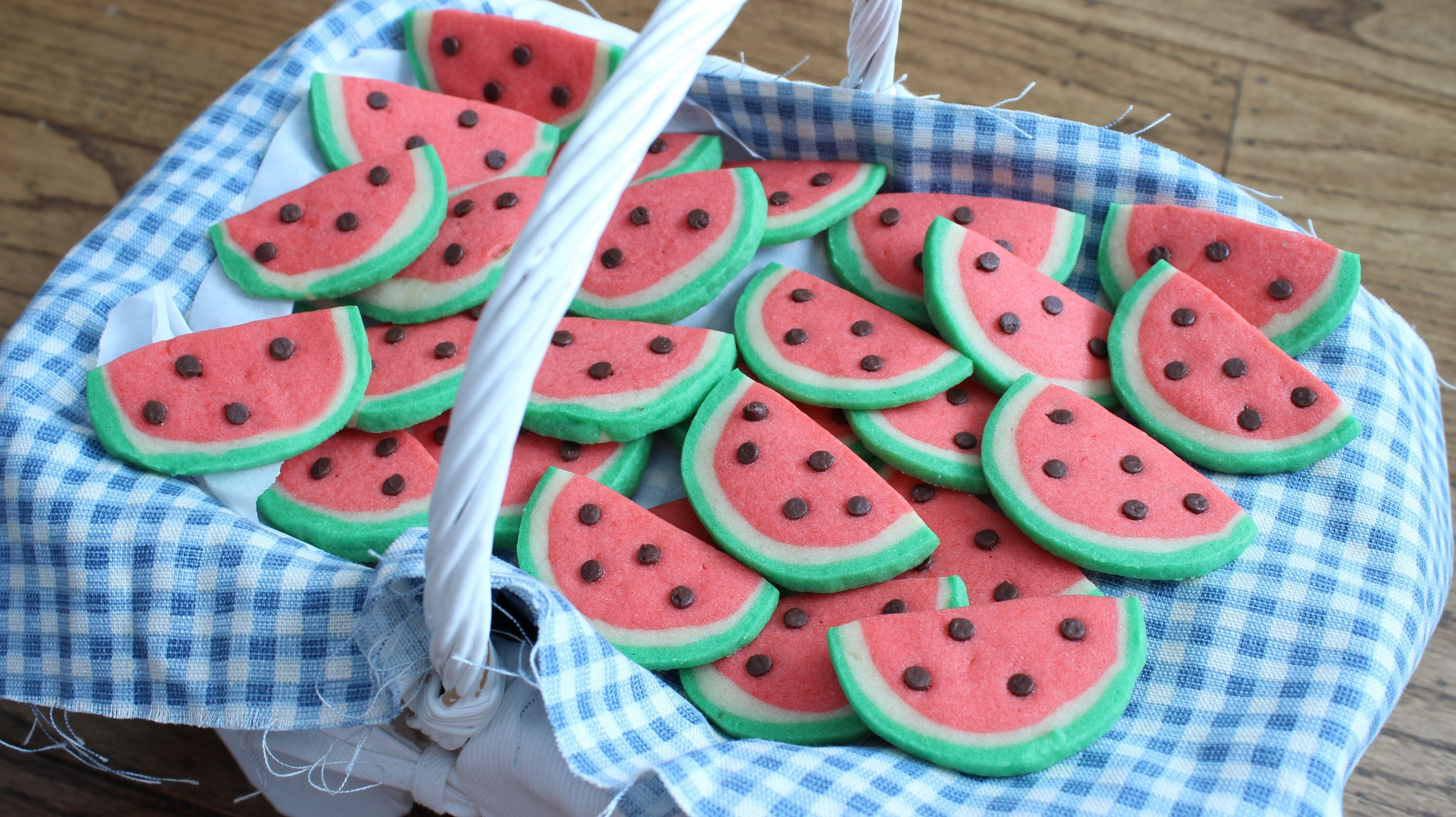 Do You Love Easy Cookie Recipes ? Then Try These Fun Watermelon Cookies!