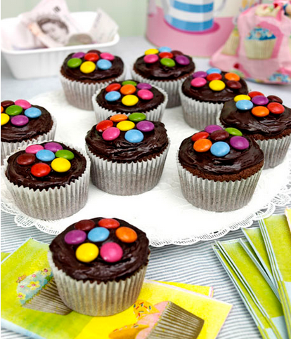 A Great Chocolate Caramel Cake Recipe In These Caramel Chocolate Cupcakes