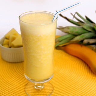 A Delicious Pineapple Banana Smoothie Recipe