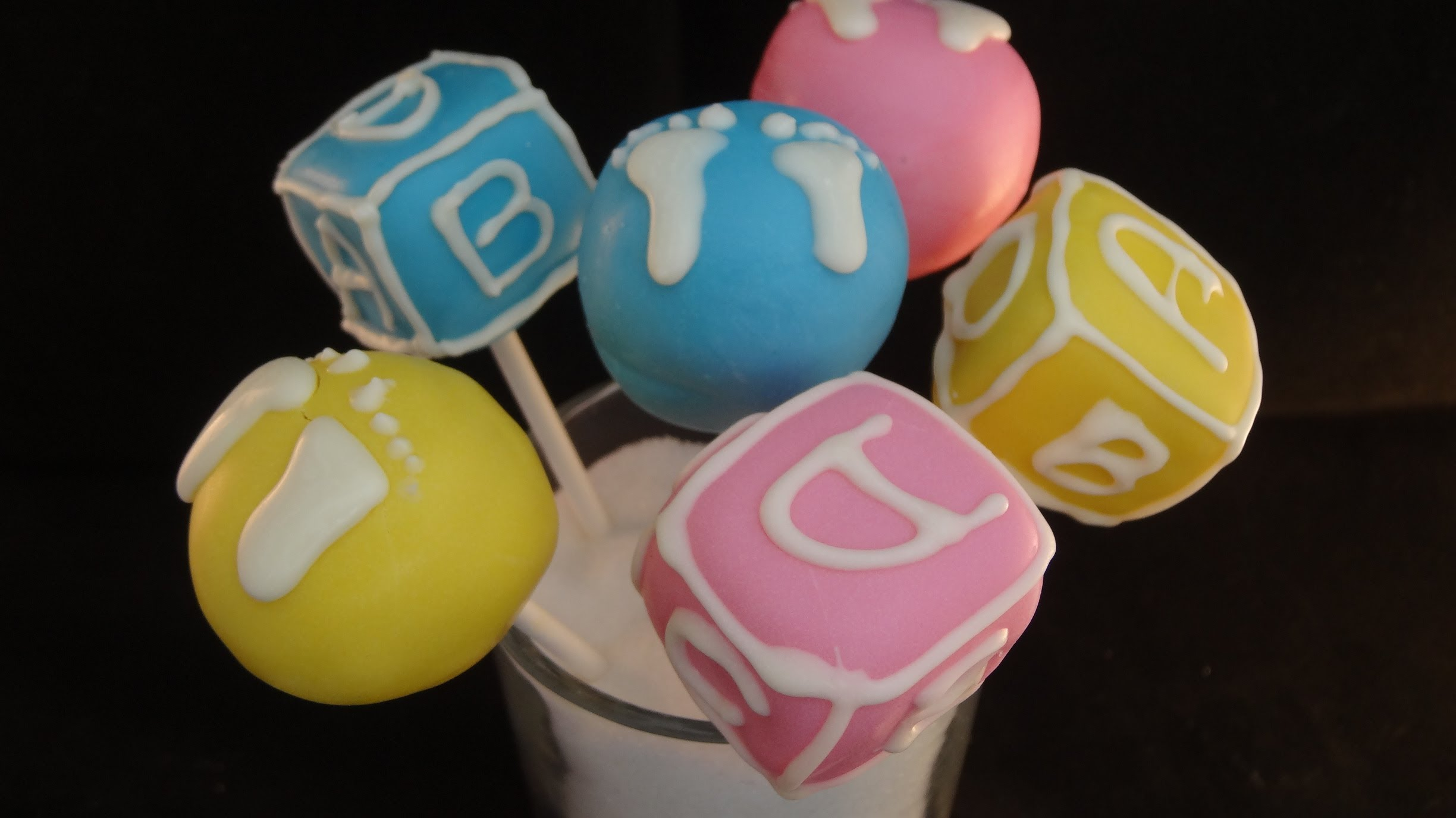 Fantastic Baby Shower Cakes In These Cake Pops