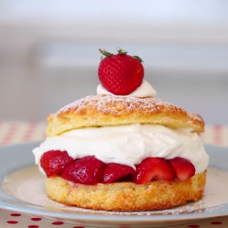 Divine Strawberry Shortcake To Make For A Summer Treat