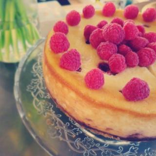 A Delightful Classic Raspberry Cheesecake Recipe