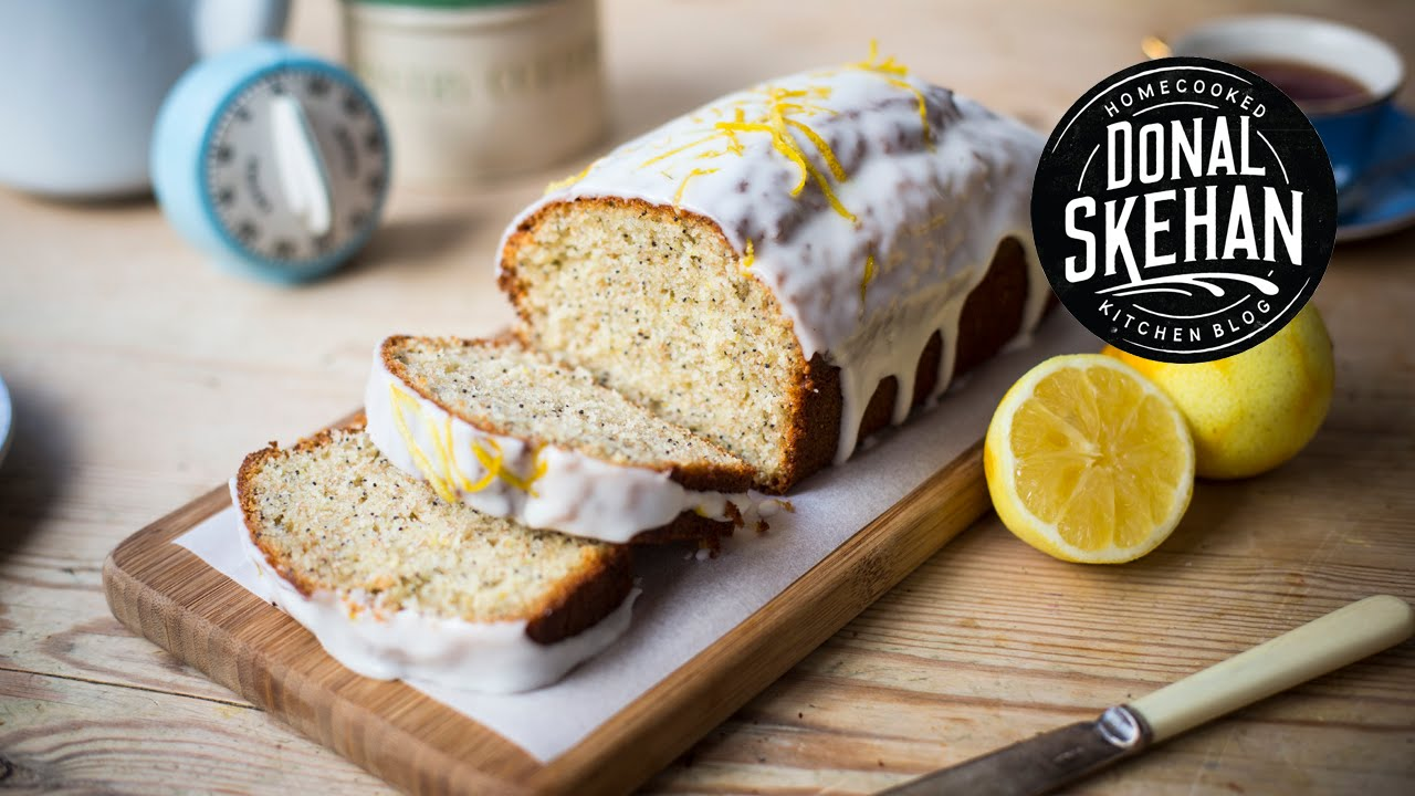 A Delightfully Moist Lemon & Poppy Seed Cake