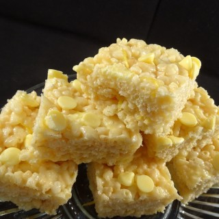 Why Not Have A Rice Krispie Treat With These Lovely Lemon Rice Krispie Bars