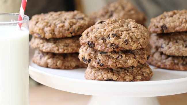 Lovely Oatmeal Raisin Cookies To Make