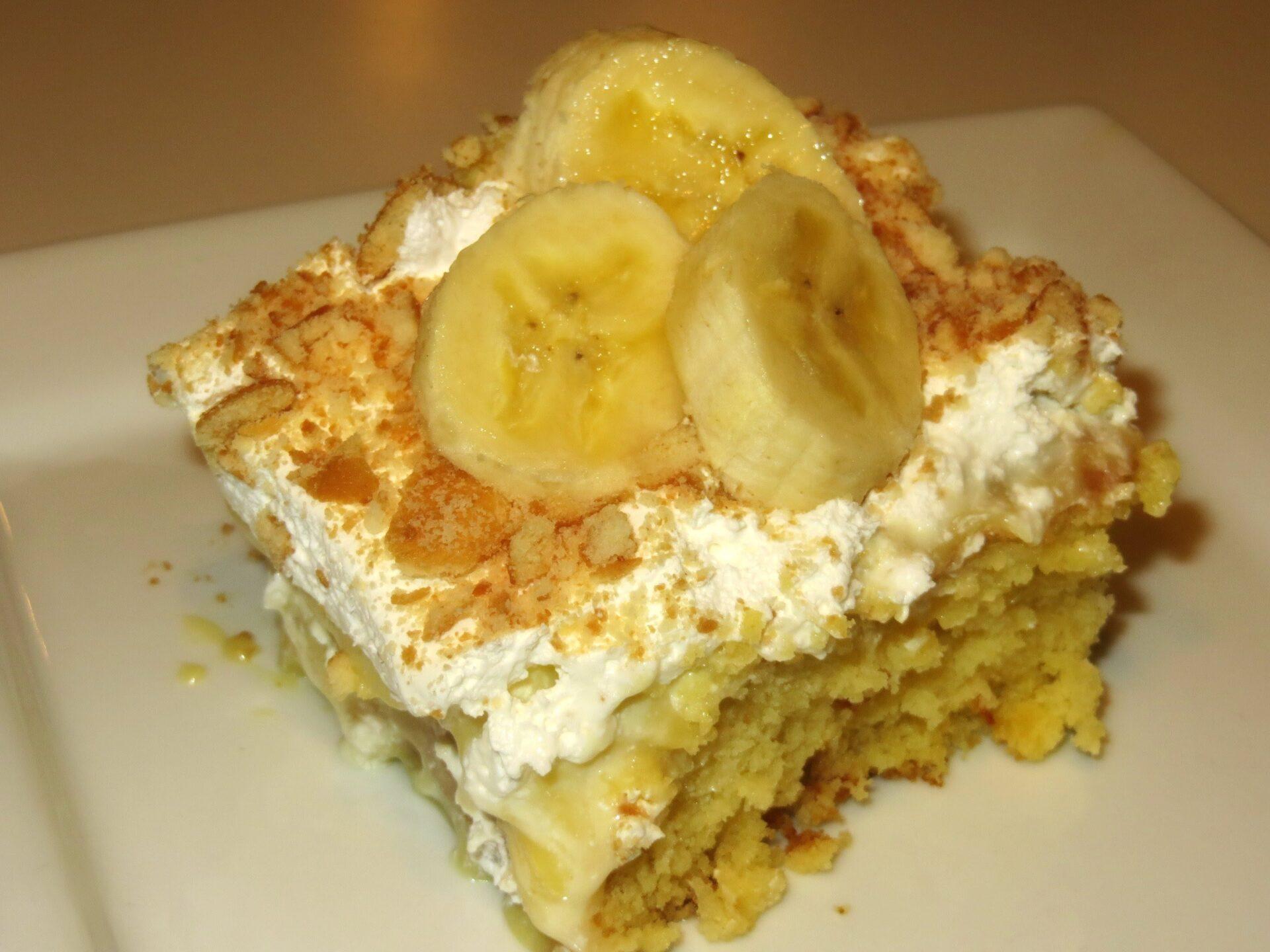 A Yummy Banana Pudding Poke Cake To Make
