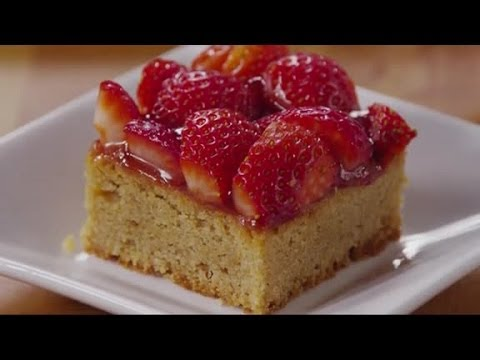What Delicious Looking Strawberry Dessert Bars