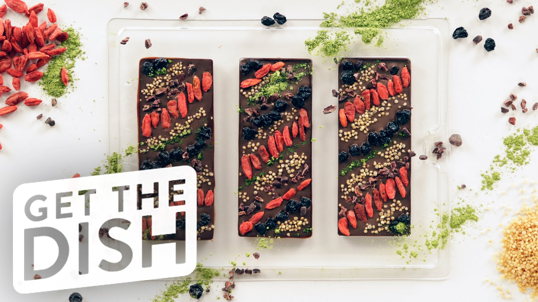 How To Make A Fantastic Superfood Chocolate Bar To Snack On