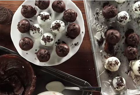 3 Ingredients ..Super Easy No-Bake Oreo Truffles