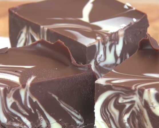 How To Make Double Chocolate Fudge Recipe With Just 3 Ingredients