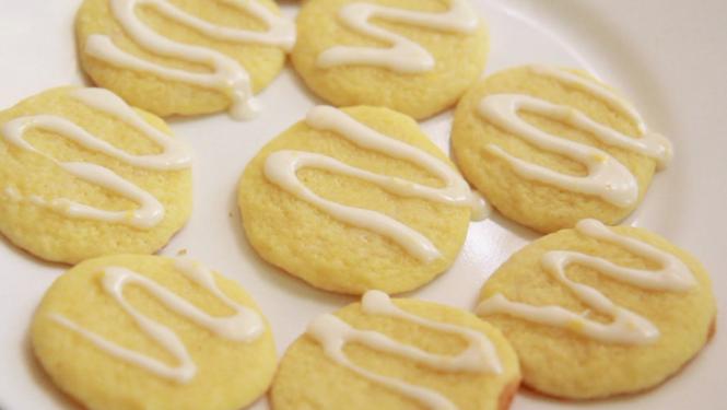 Lemon Ricotta Sugar Cookies Recipe With A Lemon Glaze