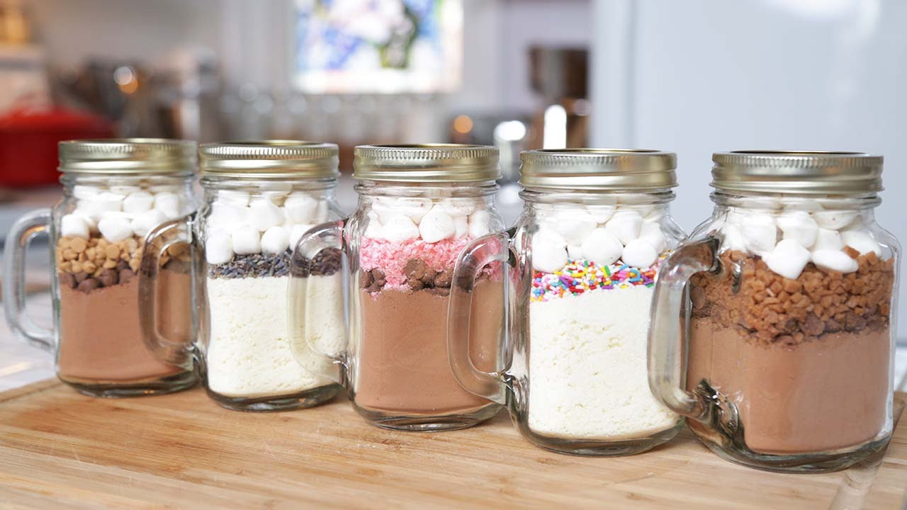 how to make 5 hot chocolate in a jar recipes. Black Bedroom Furniture Sets. Home Design Ideas