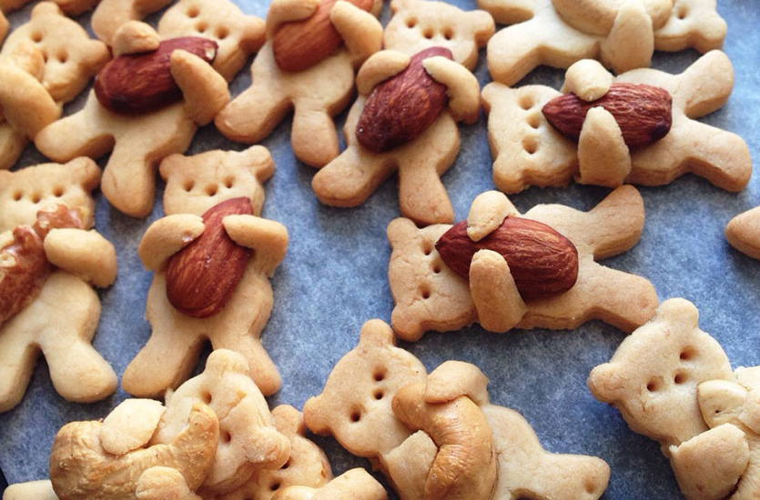 These Hugging Bear Cookies Are Almost Too Cute To Eat
