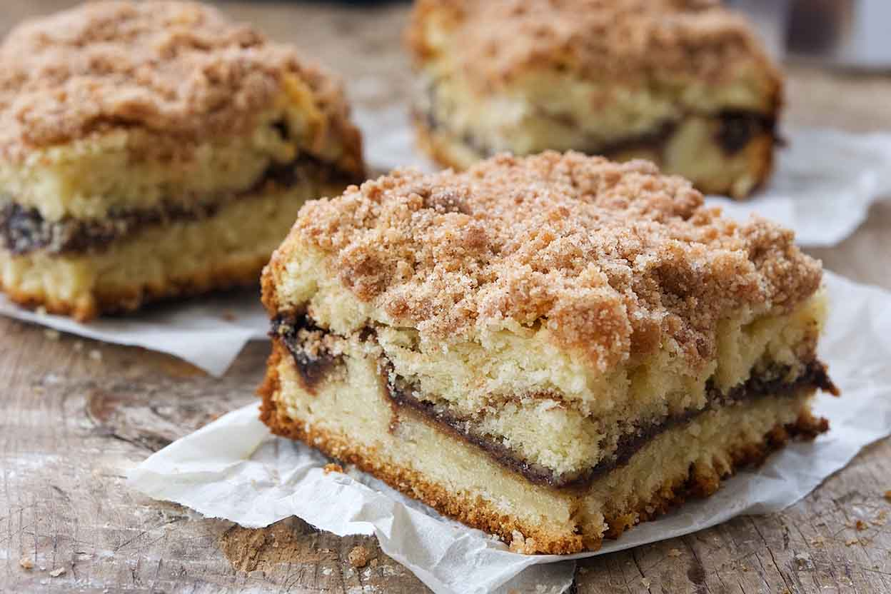 How To Make This Cinnamon Streusel Coffee Cake