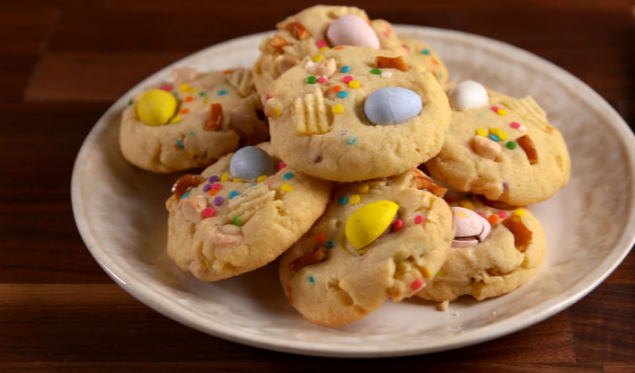 Easter Trash Cookies