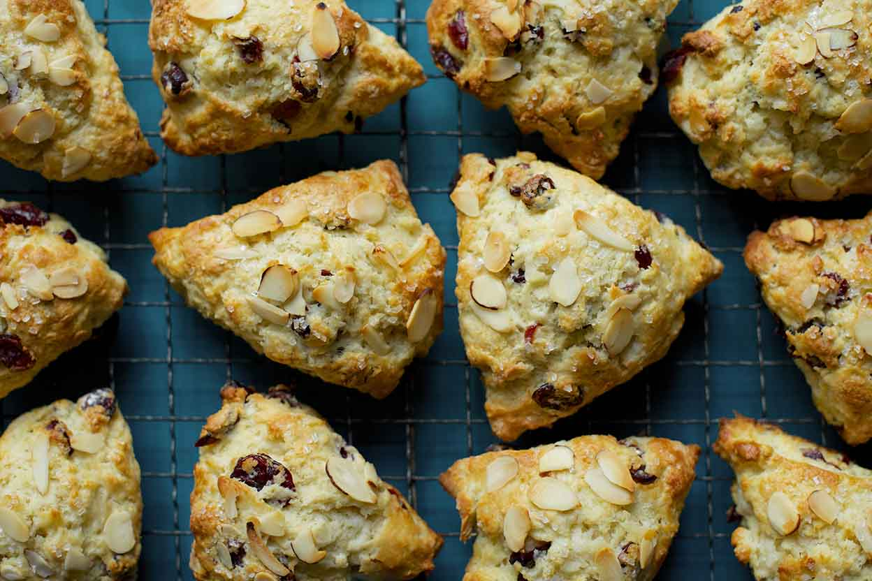 How To Make These Simple Vanilla Scones
