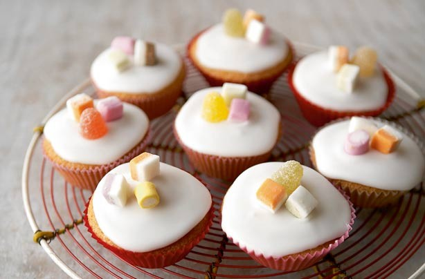 Mary Berry All In One Fairy Cakes