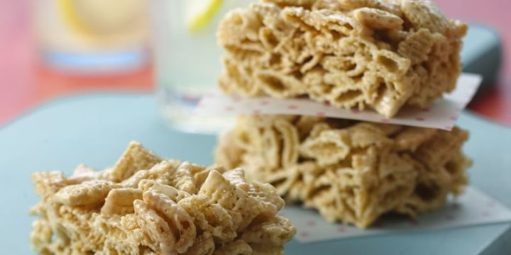 Step By Guide To Make These Delicious Easy Gluten Free Chex Cereal Treat Bars December 21 2017 Sue Baking Recipes For Kids