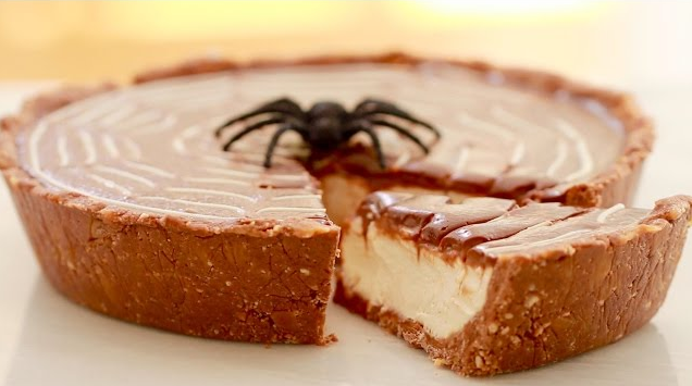 Try This No-Bake TWIX Pie For New Year